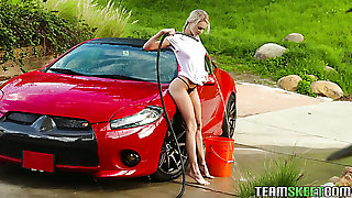 This teen knows how fro make car wash look hot and she loves sexy MILFs