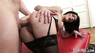 Yummy brunette sexpot Yanie is made be expeditious for super hot sex workout