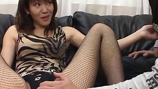 Homemade amateur video of sexy Shino Isshiki giving a handjob
