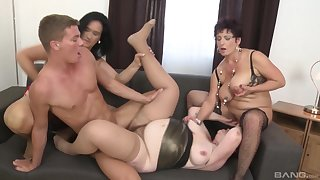 Younger girder enjoys fucking Ciara and her mature amateur friends
