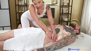 Smooth balls deep fucking atop the massage table with a sexy blonde