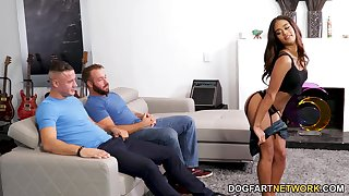 Ebony Latina Scarlit Scandal is fucked overwrought two hot blooded fellows